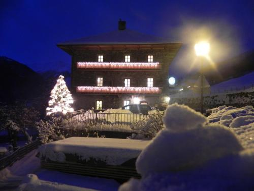 Hotellikuvia: Gasthof-Pension Klaunzer, Virgen