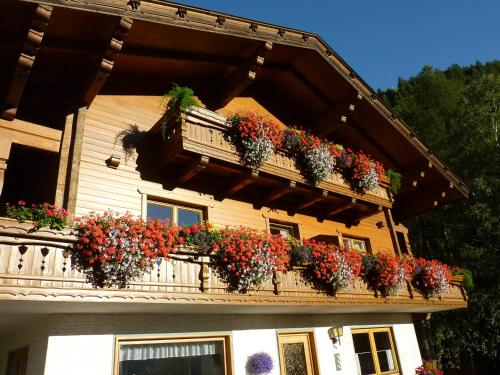 Foto Hotel: Pension Appartement Ambrosi, Heiligenblut