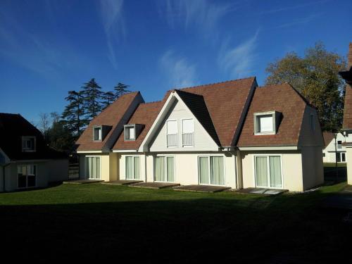 Hotel Pictures: Les Cottages du Saleys by Resid&co, Salies-de-Béarn