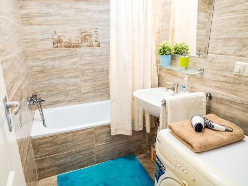 Phòng tắm tại Vagohid30 Apartment