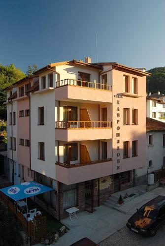 Foto Hotel: Guest House Kavroshilovi, Devin