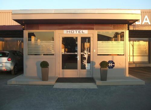 Hotel Pictures: , Montrond-les-Bains