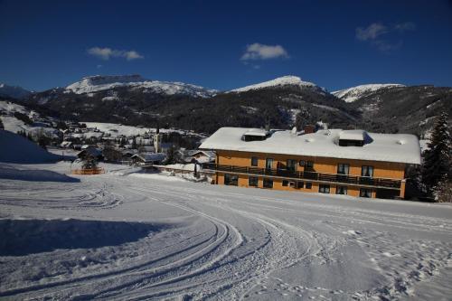 Hotellikuvia: Das kleine Berghotel, Riezlern