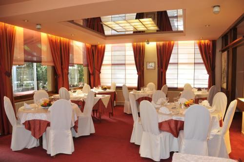 Hotel Pictures: , Sérézin-du-Rhône