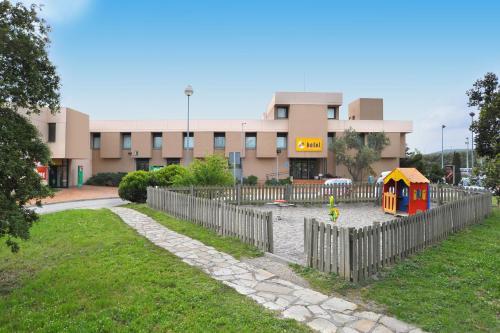 Hotel Pictures: , La Jonquera