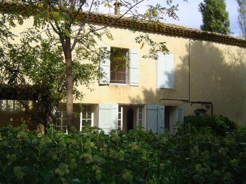 Hotel Pictures: Authentique Mas Provençal, Pont-Saint-Esprit