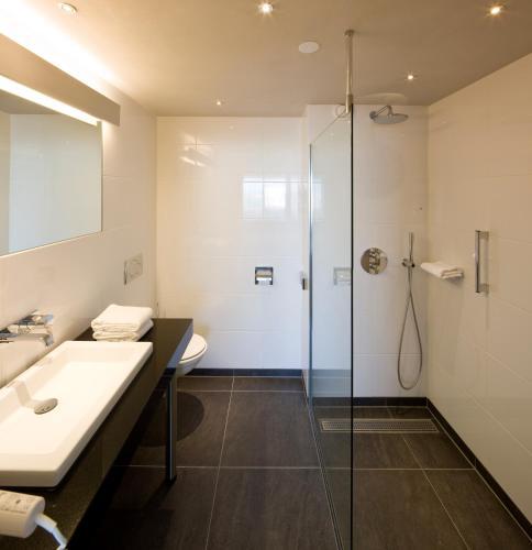 Badkamer Douchen In Bad ~ Hotels in Dilsen ViaMichelin Hotels reserveren in Dilsen