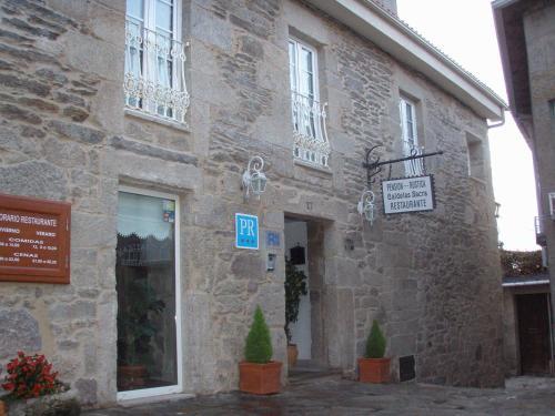 Hotel Pictures: Pension Rustica-Caldelas Sacra, Castro Caldelas