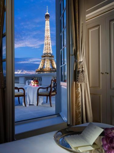 Shangri-La Hotel, Paris, Francia