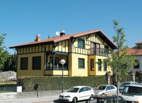 Hotel Pictures: , Amurrio