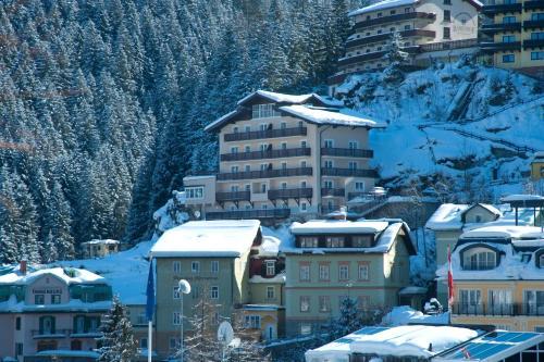 Hotellikuvia: Alpenhof by AlpenTravel, Bad Gastein