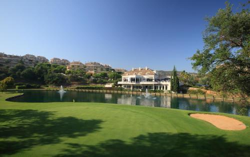 Hotel Pictures: Apartamentos Greenlife Golf, Marbella