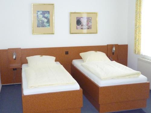 Hotel Pictures: Hotel-Gaststätte Mutter Buermann, Hemmingen