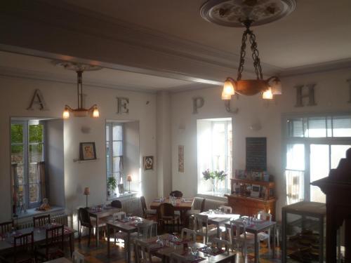 Hotel Pictures: , Montolieu