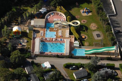 Hotel Pictures: Camping De La Plage, Bénodet