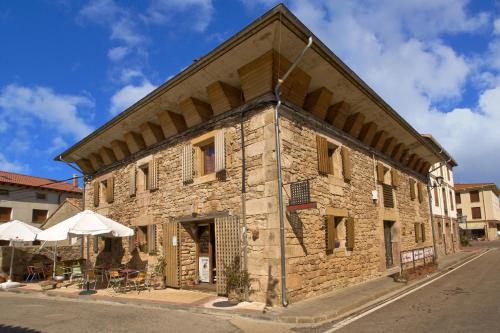 Hotel Pictures: , Salinas de Pisuerga