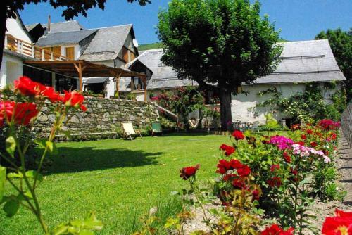 Hotel Pictures: Gite Auberge La Soulan, Cathervielle