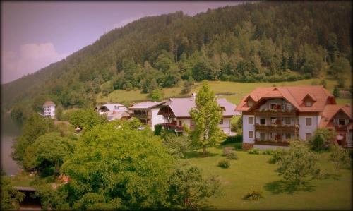 Hotelbilder: Ferienwohnungen Fischerhaus - direkt am See, Millstatt