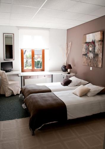 Hotel Pictures: , Crassier