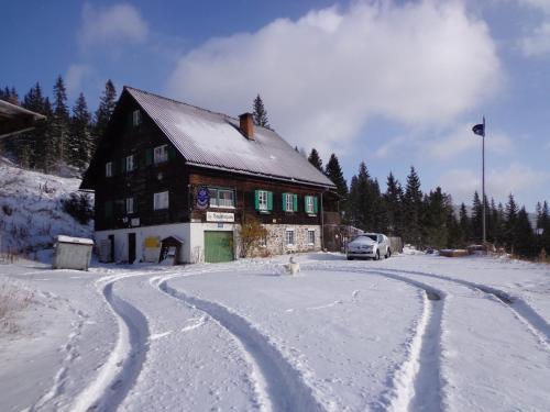 Hotelbilleder: Bruckerhütte, Lachtal