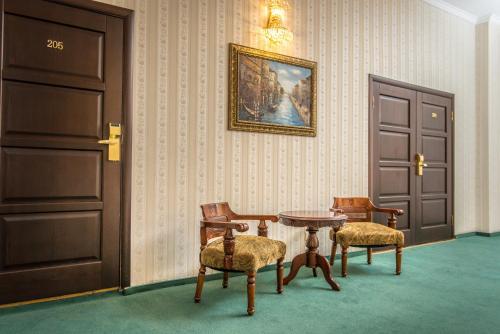 Hotel Atrium-Victoria