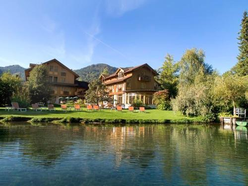 Hotel Pictures: Hotel Haus am See, Weissensee