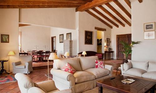 Hotel Pictures: Lantero Horse & Lodge, San Román