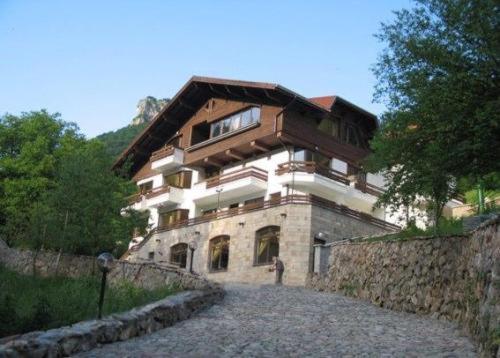 Hotellikuvia: Villa Cherven, Teteven