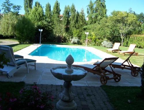 Hotel Pictures: , Miramont-de-Guyenne