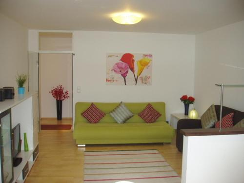 Hotel Pictures: Lake View Apartment, Sankt Gilgen