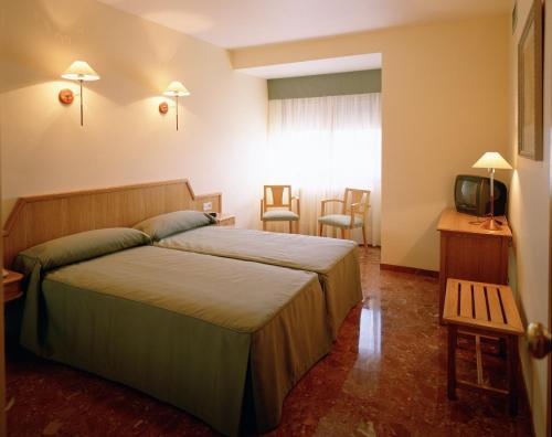 Hotel Pictures: Hotel Chané, Puebla de Alfindén