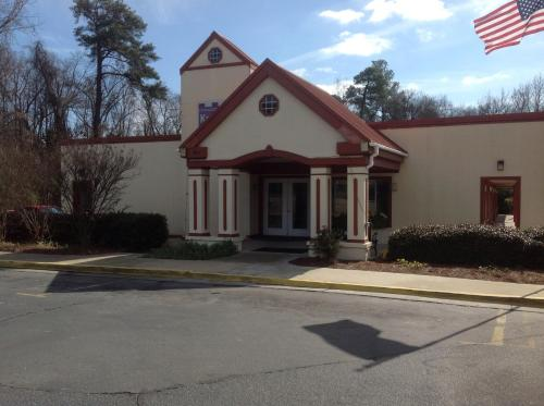 Knights Inn - Cayce