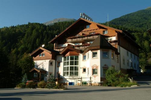 ホテル写真: Sporthotel Mölltal, Flattach