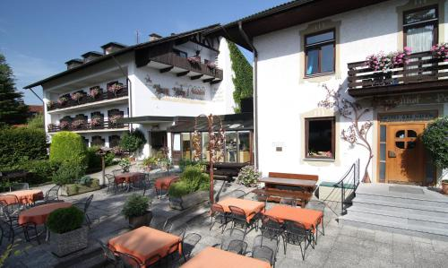 Hotel Pictures: Hotel am Wald, Bad Tölz