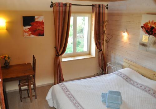 Hotel Pictures: Bed & Breakfast Domaine De Bayanne, Alixan
