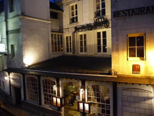 Hotel Pictures: Hotel De La Poste, Auxerre