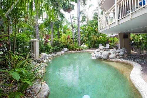 Hotel Pictures: Seascape Holidays - Driftwood, Port Douglas