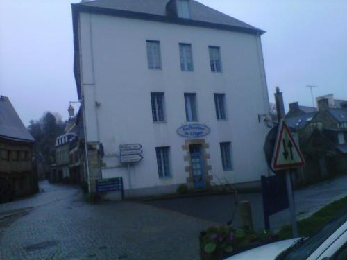 Hotel Pictures: , Pontrieux