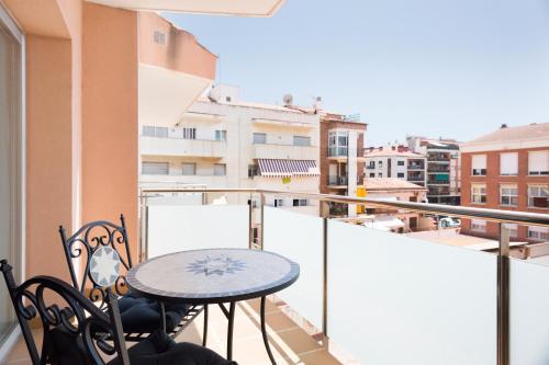 מרפסת או טרסה ב-Ginosi Basics Centric Apartel