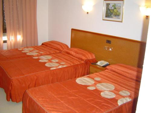 Hotel Pictures: Hotel Lázaro, Calamocha