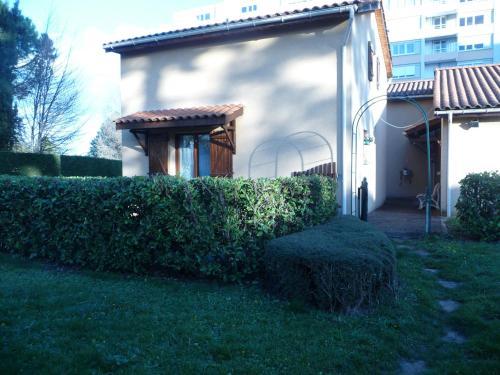 Hotel Pictures: Beaujolais Home, Villefranche-sur-Saône