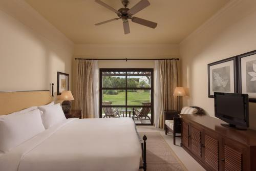 Pine Cliffs Residence, A Luxury Collection Resort
