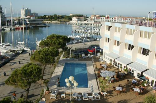 Hotel Pictures: Inter-Hotel Neptune, Carnon-Plage