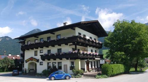 Foto Hotel: Hotel Alpenblick, Schlitters