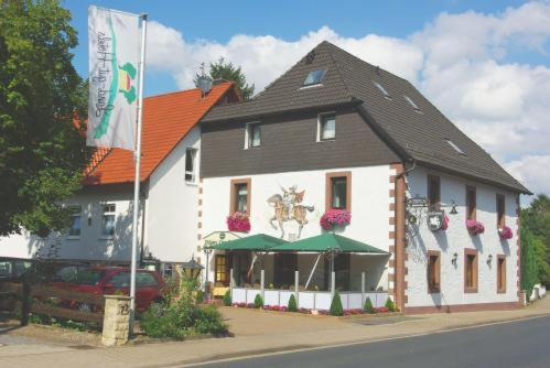 Hotel Pictures: Land-gut-Hotel Räuber Lippoldskrug, Alfeld