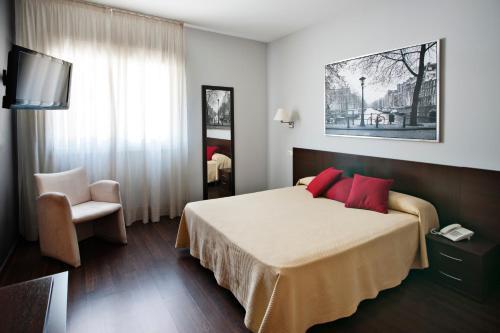Hotel Pictures: , Paracuellos de Jarama