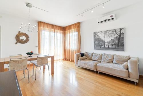 Uma área de estar em Padova Terrace Flat