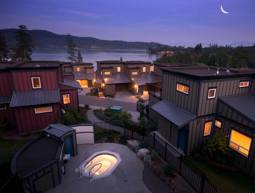 Hotel Pictures: Sooke Harbour Resort and Marina, Sooke