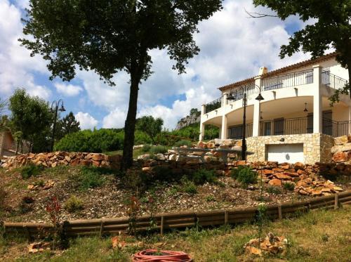 Hotel Pictures: Mas des Grives, Bauduen