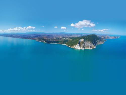 Una vista aérea de Villa Gioia